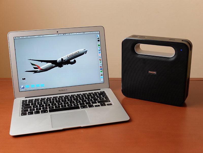 """Philips BT550 vs MacBook Air de 13"""""""