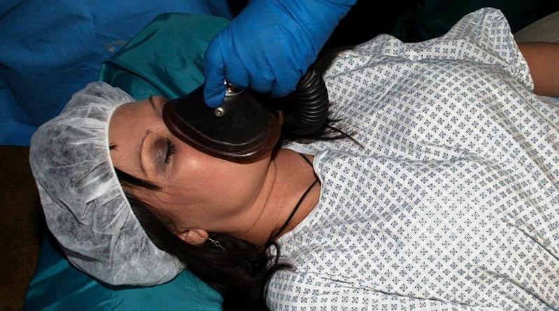 Anestesiando a una paciente