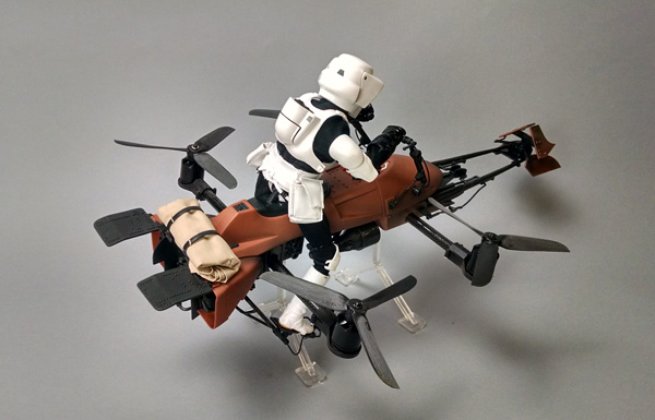 Cuadricoptero convertido en moto speeder imperial