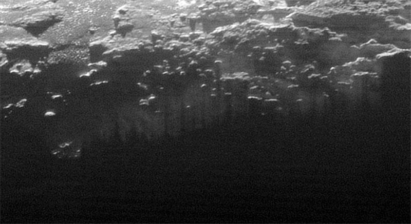 Niebla en la superficie de Plutón