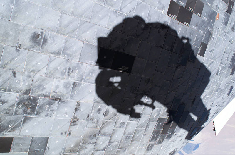 La sombra de Steve Robinson en la panza del Discovery