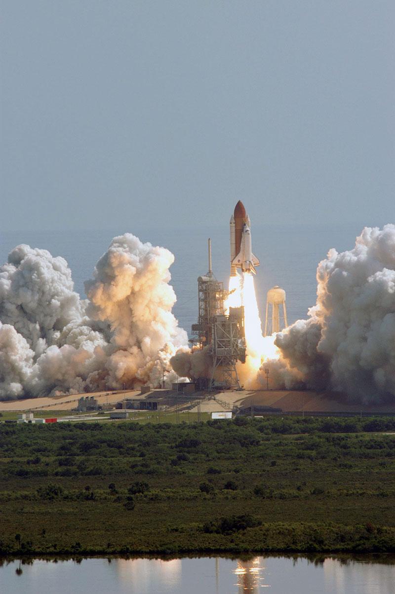 Lanzamiento del Discovery en la misión STS-114