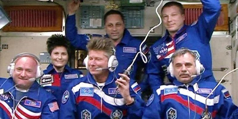 Los seis tripulantes de la EEI
