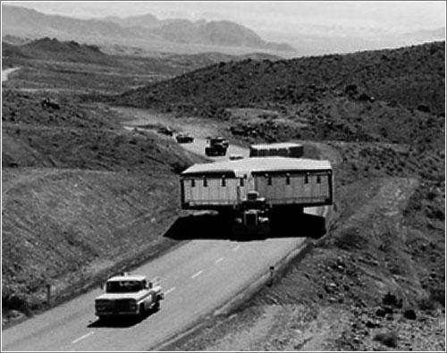 Un A12 en su caja de transporte