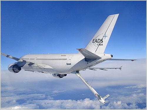 Vista del A310 con el boom de reabastecimiento en primer plano - Airbus Military