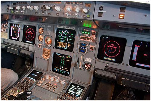 Cabina de un A321 en tierra