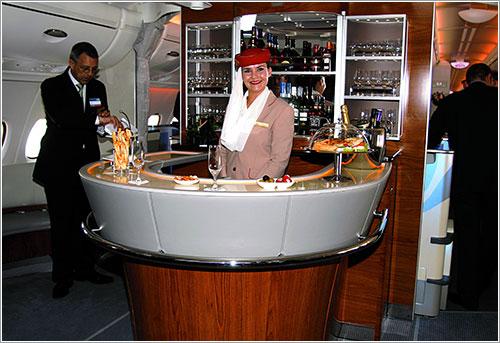 Bar en clase ejecutiva de Emirates