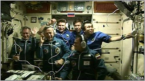 Foto de familia de la Expedición 20 - NASA