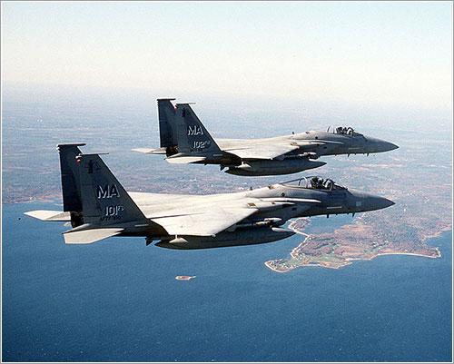 F-15 volando CAP