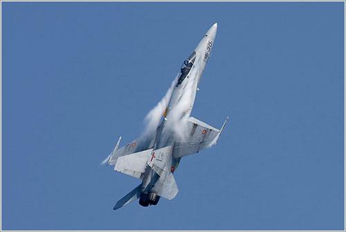 Hornet del Ejército del Aire en acción - Wicho