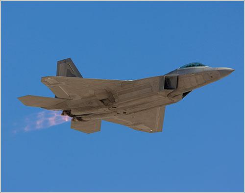 F-22 en vuelo