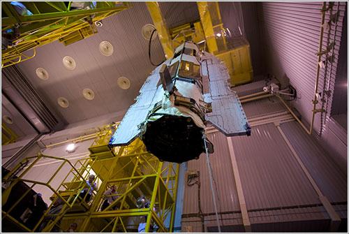 El satélite siendo instalado en el cohete que lo lanzará - ESA/Mohammed Shafiq