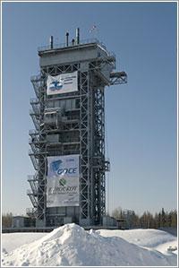 GOCE en la torre de lanzamiento - ESA - S. Corvaja