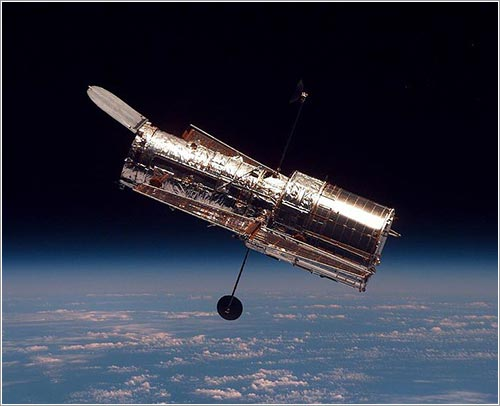 El Hubble durante la misión STS-82 / NASA