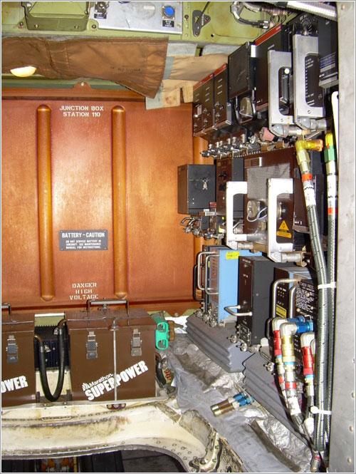 Compartimento de aviónica de un MD8x
