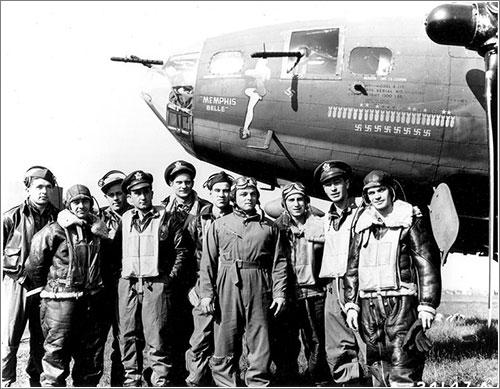 El Memphis Belle y su tripulación tras su misión número 25