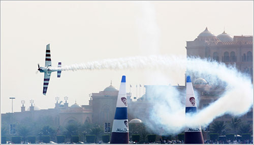 Paul Bonhomme en acción - Dean Mouhtaropoulos / Getty Images for Red Bull Air Race