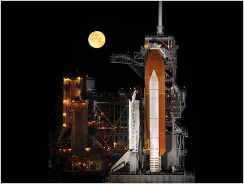 El Discovery en la plataforma de lanzamiento - NASA/Bill Ingalls