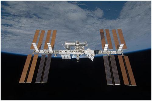 La ISS con sus cuatro juegos de paneles solares - NASA