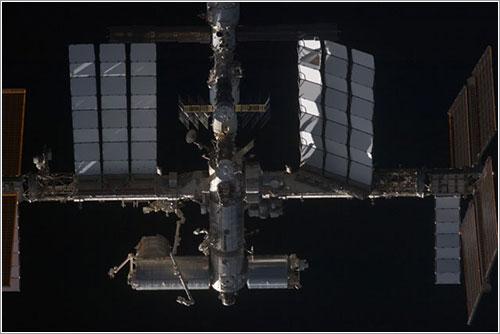 La ISS vista desde el Discovery - NASA