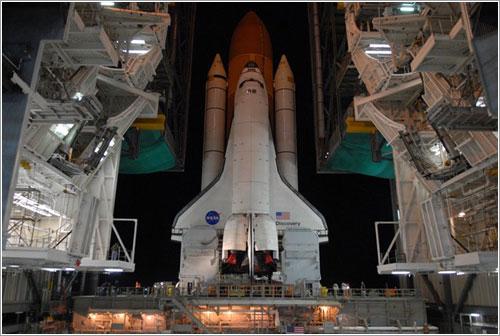 El Discovery camino a la plataforma de lanzamiento - NASA