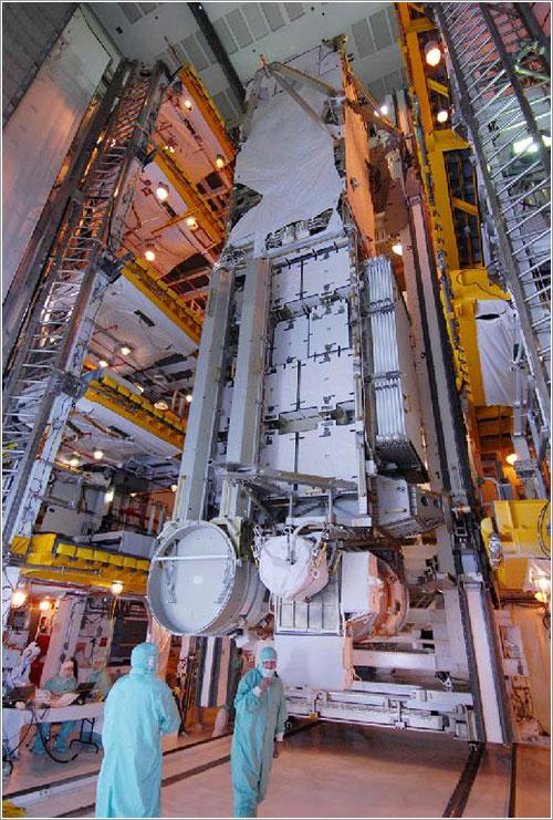 La carga de la STS-119 lista para ser instalada - NASA/Chris Rhodes