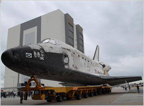 Discovery saliendo del OPF - NASA/Jim Grossmann