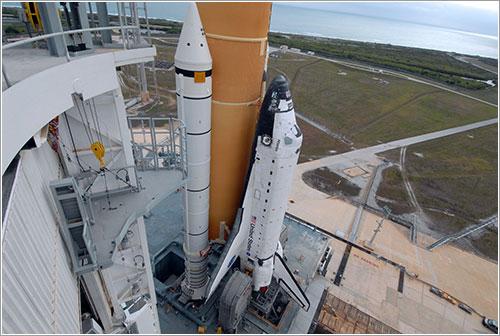 Atlantis en la plataforma - NASA