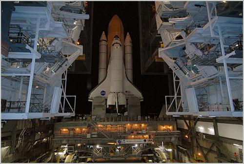 Endeavour saliendo del VAB - NASA/Jack Pfaller