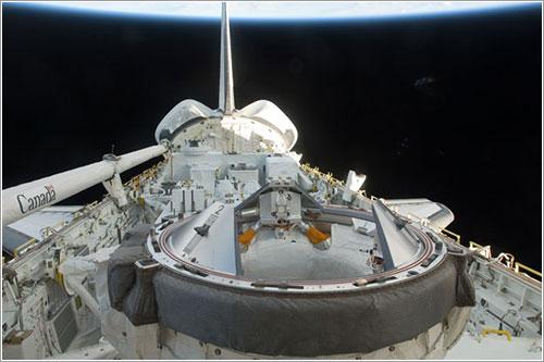 Bodega de carga del Endeavour - NASA