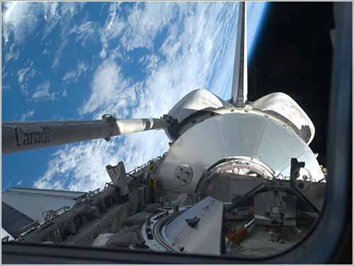 Leonardo en la bodega de carga del Discovery - NASA