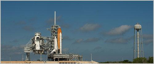 El Discovery en la plataforma de lanzamiento 39A - NASA/Bill Ingalls