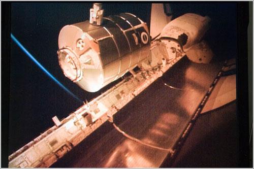 Leonardo durante su traslado - NASA
