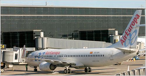 Un avión de Air Europa haciendo pruebas en la T1