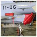 Seguros y tapas que deben retirarse antes del vuelo se marcan con cintas de alta visibilidad