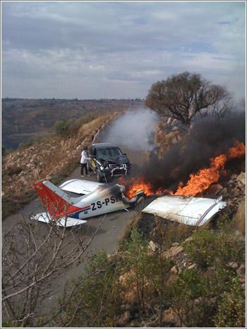 Avioneta vs Coche / Foto: Craig Rodney