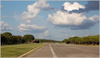 Instalaciones y servicios diferencian los distintos tipos de campos de vuelo / Foto: zeartur (Flickr)