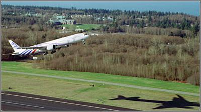 Cuánto más cerca del suelo, el aire opone más resistencia al avance de la aeronave