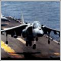 El Harrier cambia sustentación alar por la del motor para aterrizar verticalmente