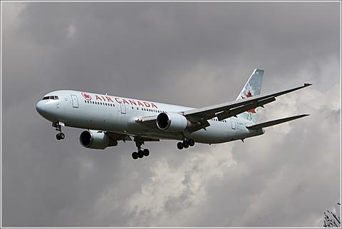 Air Canada C-GHPH (CC) Wicho