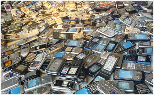1000 Mobiles by Gaetan Lee
