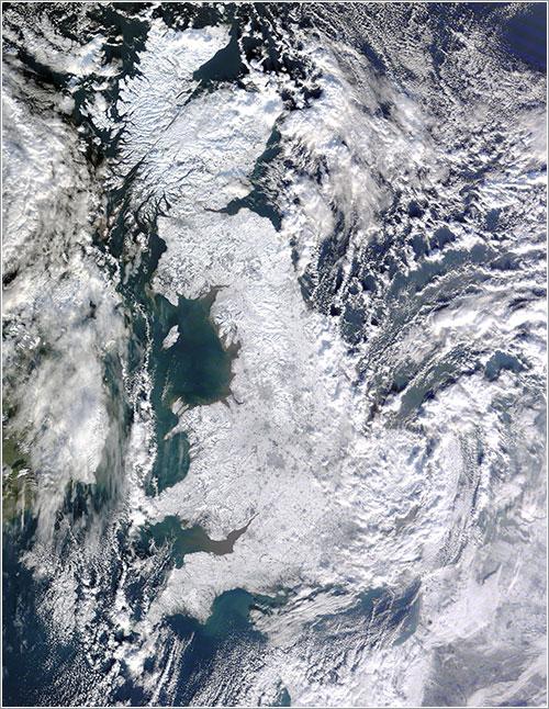 El Reino Unido cubierto de nieve - NASA/ Jeff Schmaltz, MODIS Rapid Response Team