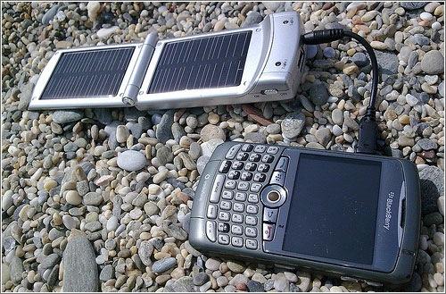Cargador solar de bolsillo para móviles