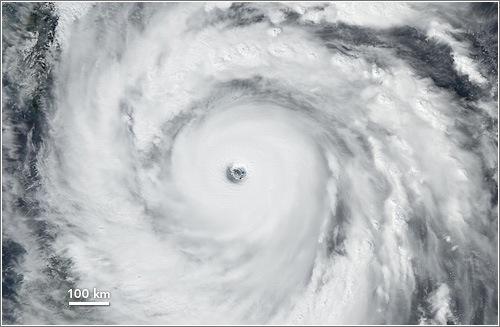 Huracán Jangmi, el más fuerte de 2008