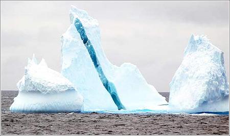 Iceberg estriado, foto de Øyvind Tangen