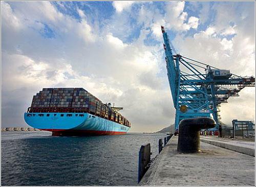 Emma Maersk (C) Maersk