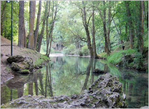 Nacimiento rio Ebro Fontibre (Cantabria)