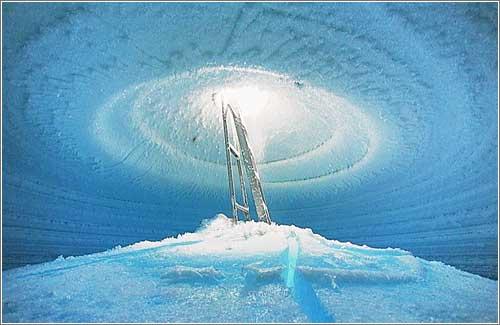 Pozo de Agua en la Antártida, por Anton Chekalin