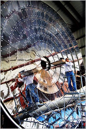 Rich Diver y el Panel Solar / Foto: Randy Montoya, (reproducida con permiso)