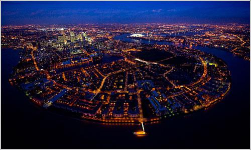 El Támesis en Greenwich Reach por Jason Hawkes